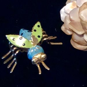 💚Cute Gold Tone Fly Brooch💚